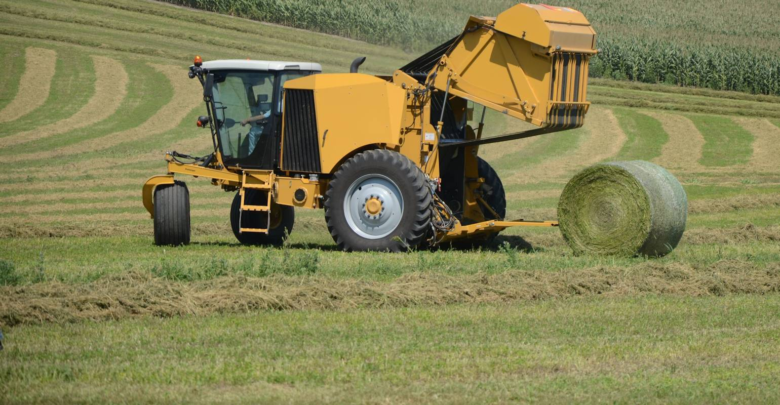 Vermeer ZR5 Self-Propelled Baler